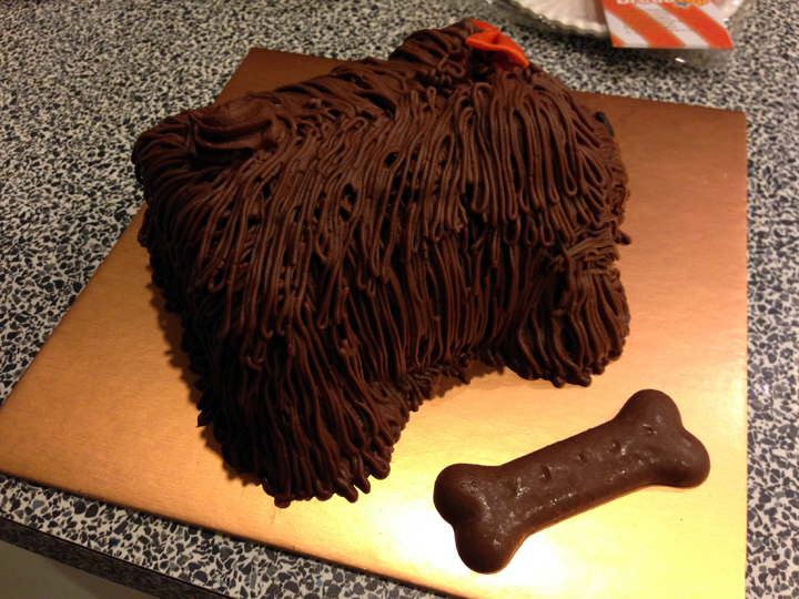 Edible Dog Cake Images : Artiqulet - Breadtop s Chocolate Dog Cake