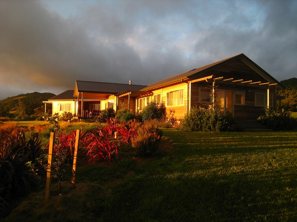 The Mamaku Room and Lodge at dawn