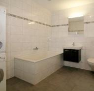 Badezimmer mit eigenem Waschturm
