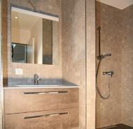 Gästebad mit begehbarer Dusche