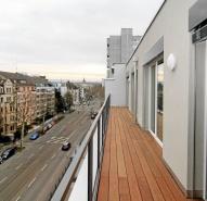 Terrasse mit Holz belegt