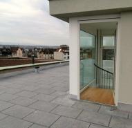 Dachterrasse mit Blick in den Jura