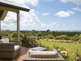 Relax on the deck overlooking Tauranga Harbour & Mt Maunganui