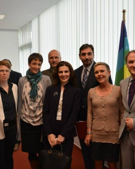 (left to right) Ms. Gaby Hagmüller, Ms. Fiona Steinert , Ms. Monika Zach, Mr. Juha Rumpunen, Ms. Vlora Citaku, Mr. Habit Hajredini, Ms. Anne Meskanen, Mr. Petrit Selimi ©Finnish embassy in Pristina