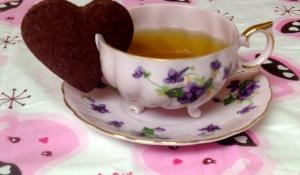 Red Velvet Heart Teacup Cookie