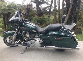 Harley Davidson Motorcycle Rental - Streetglide