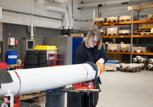 Overhaling og resertifisering av hydraulisk sylinder
