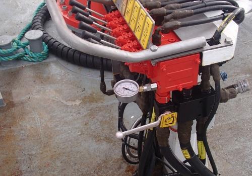 Hycom reparerer kraner og hydrauliske komponenter