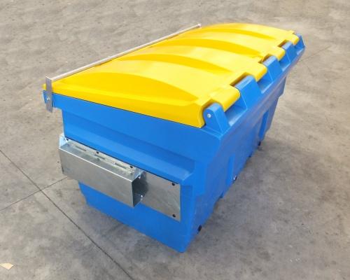 Plast-ax 1.5 cube front load bin - back view