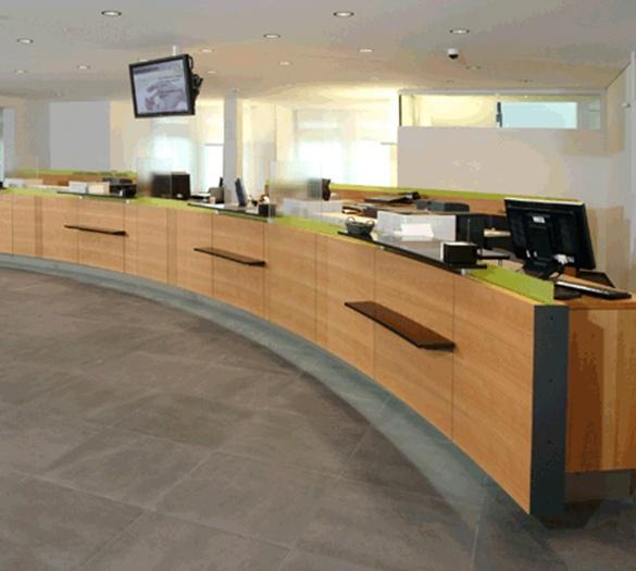 Architekt - Öffentliche- Bank Gantrisch, Schalterhalle, Schwarzenburg - Vifian Architekten