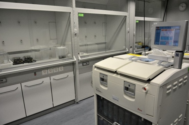 Tissue processing with Leica Peloris II.