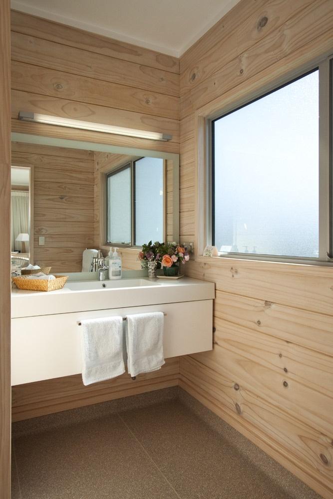 Mamaku Bathroom