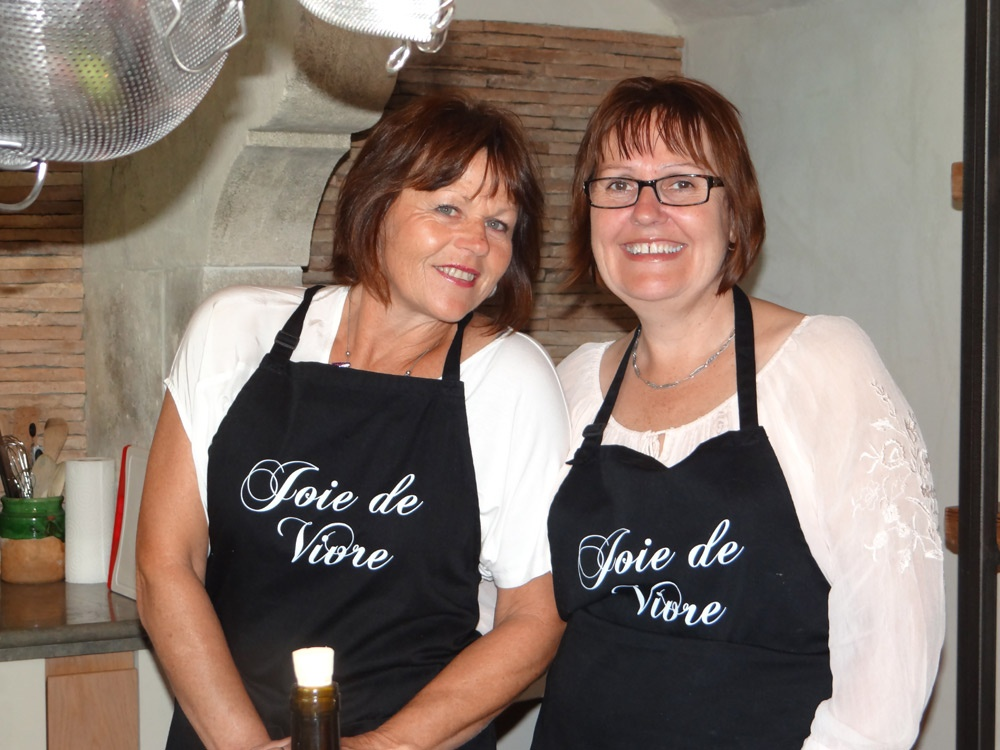 Rachelle & Robyn the Chefs for a night