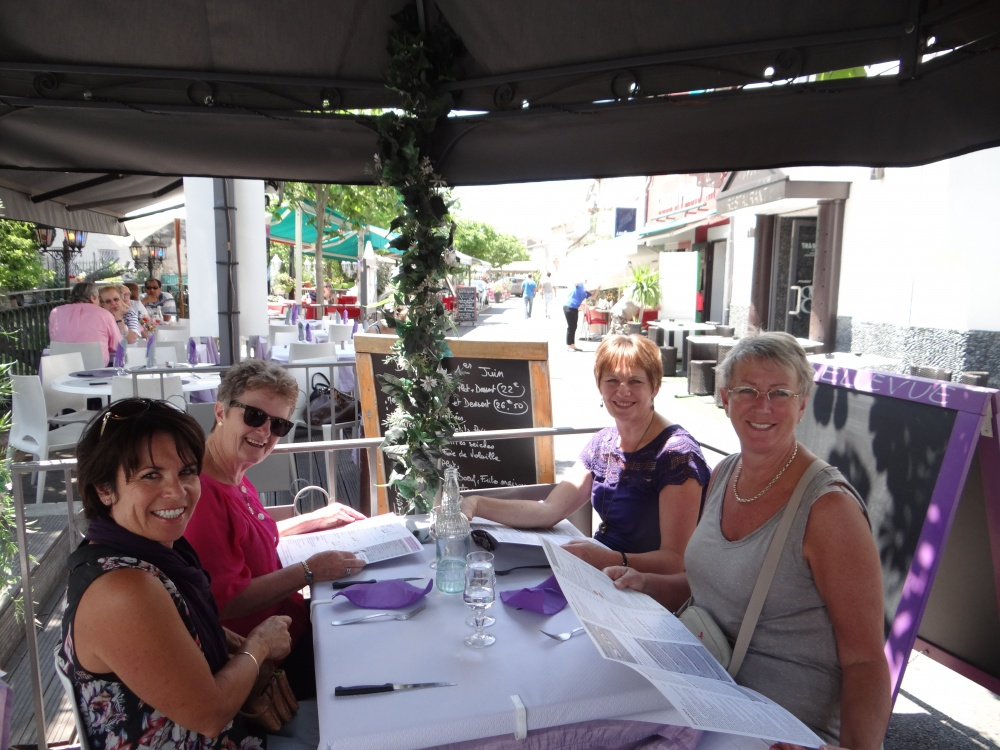 Lunch Isle sur L'sourge