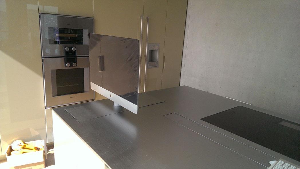 heimelektronik schwyz langj hrige erfahrung in der heimelektronik. Black Bedroom Furniture Sets. Home Design Ideas