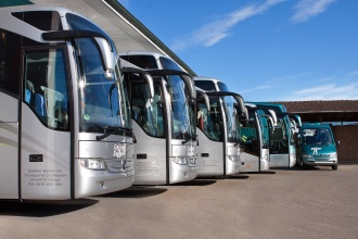 sechs Reisecars der Galliker Ballwil AG